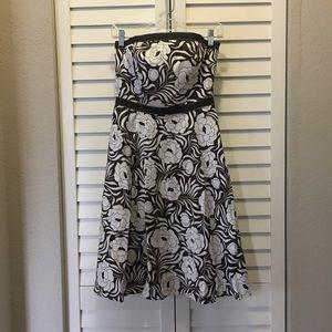 Ann Taylor Strapless Floral Print Dress (Size 0)